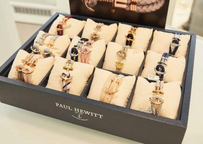 Armbänder von Paul Hewitt